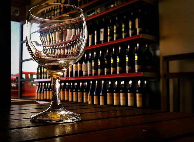sklenice na víno.jpg