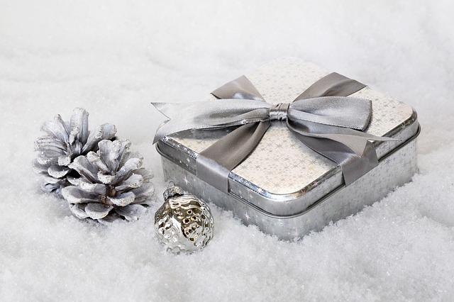 stříbrná dekorace.jpg