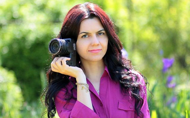 mladá fotografka