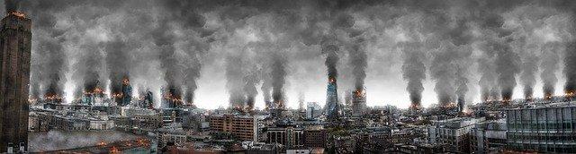 zničené město válkou