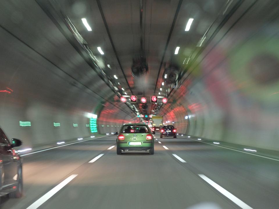 jízda v tunelu